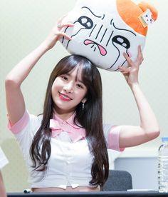 WJSN(우주소녀) #SeolA 설아 Kpop Girl Groups, Kpop Girls, Gfriend Sowon, Fandom, Red Velvet Seulgi, Cosmic Girls, Queen, My Girl, Fandoms