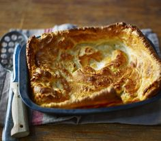 You can't beat Delia for the basics and this Yorkshire pudding recipe made with beef dripping is a failsafe accompaniment to roast beef. Equipment and preparation: You will need a solid roasting tin measuring Traditional Yorkshire Pudding Recipe, Easy Yorkshire Pudding Recipe, Yorkshire Pudding Wrap, Yorkshire Pudding Recipes, Delia Smith Yorkshire Pudding, Roast Dinner Wrap, Churros, Cooking Time, Cooking Recipes