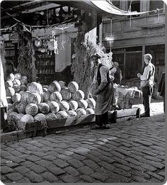 İstanbul'da bir karpuz sergisi - 1936  (N. V. Artamonoff)