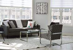 Au sein de cet article, je vais vous donner 10 astuces pour aménager votre salon. Votre salon mesure moins de 25 m ² alors il est temps de l'agrandir en changeant tout simplement la décoration intérieure.CLIQUEZ ICI POUR DÉCOUVRIR SES CONSEILS
