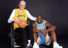 """George Mikan and Shaq, wearing """"each others"""" outfit! George Mikan, Team Games, Shaquille O'neal, Other Outfits, Nba Players, Los Angeles Lakers, One Team, Rebounding, Kobe Bryant"""