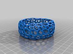 Bracelet - Voronoi Style by roman_hegglin - Thingiverse
