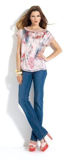 Tejanos con blusa estampada #jeans #blouse