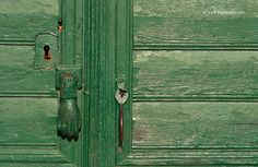 People and places Traditional Doors, Happy Relationships, News Stories, Knock Knock, Door Handles, Things To Come, Romantic, Places, Painting