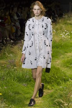 Moncler Gamme Rouge Spring 2016 Ready-to-Wear Collection Photos - Vogue