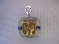 10K WHITE & YELLOW GOLD JEWEL ENCRUSTED CHILDRENS HOSPITAL SERVICE PIN 2.7 GRAMS
