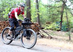 http://blog.jonesbikes.com/wp-content/uploads/2014/09/JonesPlus_blog2_ride4_packing.jpg