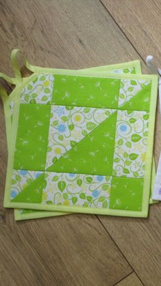Items similar to Quilted Table Topper - Pieced Quilt - Reproduction Prints - Table runner - Girls Room - baby decor on Etsy Mug Rug Patterns, Potholder Patterns, Quilt Block Patterns, Pattern Blocks, Quilt Blocks, Apron Patterns, Quilting Projects, Quilting Designs, Sewing Projects