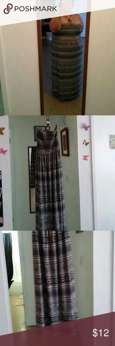🌞Maxi Sun dress🌞 Blk & Wht Halter (pictured) maxi sun dress. Very comfortable. Dresses Maxi