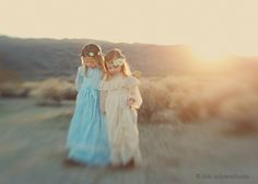 Deb makes me want nothing more than a lensbaby! incredible work! and how cute are these girls??