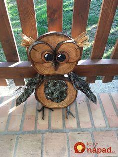 Stačí postaviť pred dvere a už nemusíte riešiť iné dekorácie: 21 nápadov na jesenné sovičky, ktoré očaria každého! Wood Log Crafts, Birch Bark Crafts, Nifty Crafts, Owl Crafts, Christmas Topiary, Christmas Crafts, Chicken Wire Crafts, Diy Furniture Making, Rustic Wood Furniture