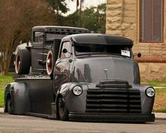 Chevy trucks aficionados are not just after the newer trucks built by Chevrolet. They are also into oldies but goodies trucks that have been magnificently preserved for long years. Rat Rod Trucks, Rat Rods, Diesel Trucks, Cool Trucks, Big Trucks, Chevy Trucks, Pickup Trucks, Jeep Pickup, Semi Trucks