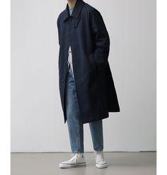DIPLITI.CLOTHING Monochrome Fashion, Minimal Fashion, Chucks Outfit, Chic For Men, Trench Coat Outfit, Stylish Mens Fashion, Minimal Outfit, Aesthetic Clothes, Everyday Fashion