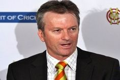 Australian cricket great Steve Waugh has backed calls from fellow former Australian Ricky Ponting and West Indies legend Michael Holding for cricket chiefs to rid Test cricket of the toss. Steve Waugh, Ricky Ponting, Commonwealth Bank, Test Cricket, U Turn, Saved By Grace, Bring It On, This Or That Questions, Sports