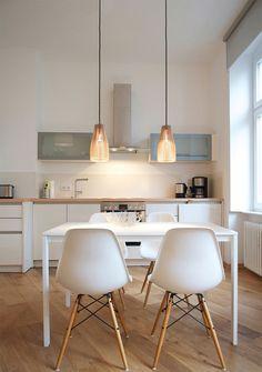 white kitchen | meltorp table