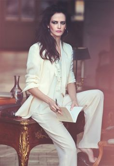 Eva Green Look -  http://picvpic.com/collections/all-white-look-by-eva-green
