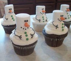 Tons of really creative Christmas cupcake ideas!!