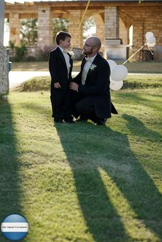 Before the wedding, the groom had a talk with his son, I love moments ...