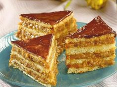 Prajitura Caramel Romanian Desserts, Romanian Food, Cake Recipes, Dessert Recipes, Baking Classes, Sweet Cakes, No Bake Desserts, No Cook Meals, Cheesecakes