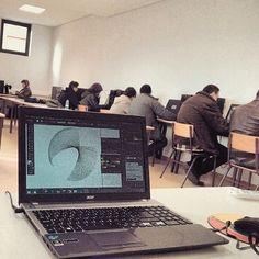 Turma concentrada #Adobe #Illustrator CFPIC - Centro de Formação Profissional da Indústria de Calçado em Felgueiras, Porto