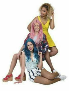 Sweet California, la mejor banda de España Sweet California, Wonder Woman, Stylish, Celebrities, Bobs, Womens Fashion, Idol, Sweets, The Maldives
