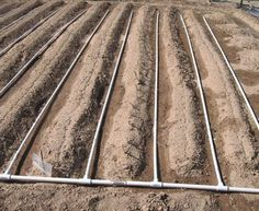 Drip irrigation using PVC Pipe Water Garden, Lawn And Garden, Garden Tips, Farm Gardens, Outdoor Gardens, Veggie Gardens, Garden Irrigation System, Irrigation Systems, Drip Line Irrigation