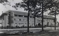 St. Josephziekenhuis, Aalsterweg in Eindhoven. Datering 1938. Klik op de afbeelding voor het verhaal!