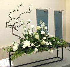 Irresistible Your Wedding Flowers Ideas. Mesmerizing Your Wedding Flowers Ideas. Hotel Flower Arrangements, Beautiful Flower Arrangements, Flower Centerpieces, Flower Decorations, Altar Flowers, Church Flowers, Funeral Flowers, Ikebana, Deco Floral