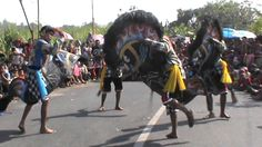Seni Tari Kuda Lumping Indonesia