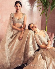 Are You Excited To See This! Are You Excited To See This!Technically, Anushree Reddy 2019 Bridal Lehengas have sort of launched in L Indian Bridal Outfits, Indian Designer Outfits, Designer Dresses, Indian Designers, Bridal Dresses, Lehnga Dress, Lehenga Choli, Bridal Lehenga, Sarees