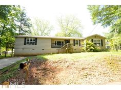 View Photos Of This 4 Bed Bath 1488 Sqft Single Family Home Located At 53 Reynolds St Newnan GA 30263
