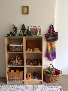Our Main Toy Storage and Nature table Waldorf Playroom, Waldorf Toys, Play Spaces, Kid Spaces, Play Corner, Home Daycare, Inspired Learning, Natural Playground, Natural Toys