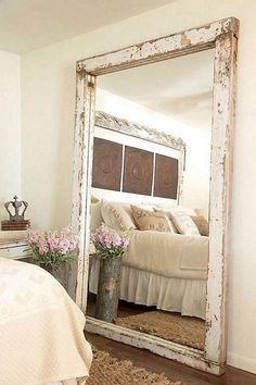 30 Incredible Design Putting The Mirror In The Bedroom - Farmhouse Decoration Farmhouse Mirrors, Farmhouse Style Bedrooms, Rustic Mirrors, Farmhouse Decor, Modern Farmhouse, Stylish Bedroom, Cozy Bedroom, Master Bedroom, Bedroom Wall