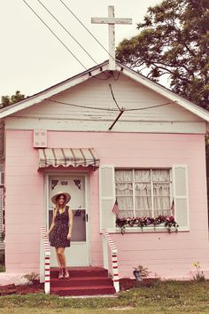 Little Pink Houses! So much cuter than the one I lived in during Grad School.
