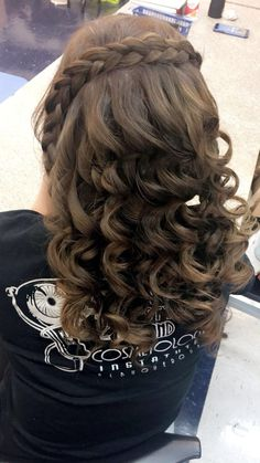 I love this hair style @AriAnnAsHairStyles