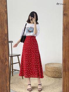 Kpop Fashion Outfits, Modest Fashion, Skirt Fashion, Classy Outfits, Cute Outfits, Skirt Outfits Modest, Korean Girl Fashion, Lovely Dresses, Looks Style