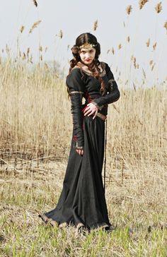 Lady Hunter – Medieval Renaissance Cotton Dress|Medieval Clothing and Renaissance Clothing | Pirate Costumes | Peasant Clothing
