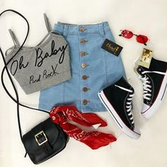 I love this style - Very casual, super urban jeans, a trend that every stylish girl has in her Closet. Cute Casual Outfits, Swag Outfits, Cute Summer Outfits, Grunge Outfits, Stylish Outfits, Stylish Girl, Teen Fashion Outfits, Outfits For Teens, Girl Fashion