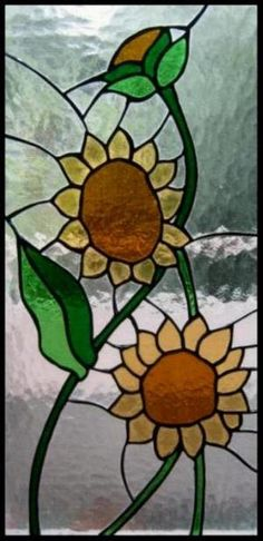 This Panel was created with the technique of bookbinding tiffany. After you create the design I cut pieces of glass that make up the design I cut to be shaped precisely and afterwards I edged with copper tape. Then I soldered everything with pond at 60%. The soldering has been darkened with black patina. Endless fields of sunflowers; When the summer starts around my beautiful Pisa explode sunflower fields. Yellow, lined up like soldiers on twofold file color my days and fill my heart with…