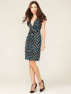 Finally snagged my first Issa of London dress!  (and on sale at Gilt, no less!)  Printed Short Sleeve Gathered Dress by Issa London at Gilt
