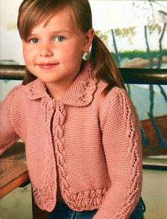 Un cardigan con acabado original. Edad: 4-6-8 años; Material necesario: 300-350-400 hilo de rosca g Lanas deja de calidad York Merino (100% lana merino, 122m/50 g); Andree nr.3.5; Croșeta No.4; diámetro del 1 anillo 1,5 cm. Explicación de tejer cardigan rosa: Avalancha: Se monta en andrea 89-97-105 puntos y tejer como sigue: 1 colocar todos los puntos de los dos, 16 filas bajo el n ° 1 y punto flojo hasta el final de la obra. Después de 14-16-17 cm desde la primera, para las mangas suelt...