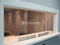 ventana pasaplatos - Buscar con Google Kitchen Window Bar, Home Decor Kitchen, Kitchen Design, Semi Open Kitchen, Window Bars, Flat Ideas, Kitchenette, Bedroom Storage, Wood Doors