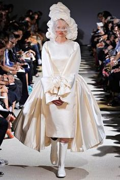 Comme des Garçons Spring 2012 Ready-to-Wear Fashion Show: Complete Collection - Style.com
