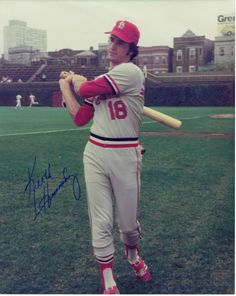 KEITH HERNANDEZ:    FIRST BASEMAN WITH ST LOUIS CARDINALS