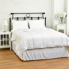 eLuxurySupply Lightweight Down Alternative Comforter / Duvet Insert ($61) ❤ liked on Polyvore featuring home, bed & bath, bedding, comforters, king size down alternative comforter, white twin comforter, king comforter, twin comforter and white king comforter