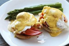 Hollandaise Sauce  • 4 egg yolks  • 1 cup unsalted butter  • 1 tablespoon lemon juice  • 1 tablespoon white wine  • pinch of salt  • pinch of cayenne