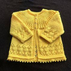 Rosabel Cardigan - Free Pattern Free Knitting Pattern Source by beautifulskills Baby Cardigan Knitting Pattern Free, Baby Sweater Patterns, Baby Boy Knitting, Knit Baby Sweaters, Sweater Knitting Patterns, Knitting Designs, Knit Patterns, Free Knitting, Cardigan Pattern