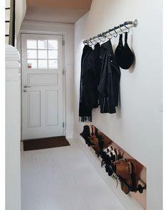 17 design ideas for small hallways - New ideas Small Entryways, Small Hallways, Small Entrance, House Entrance, Cheap Home Decor, Diy Home Decor, Hallway Inspiration, Hallway Ideas, Home Interior