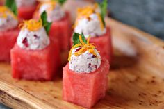 This recipe puts a winter spin on watermelon. Think outside the box when it comes to easy appetizers. These watermelon cups are filled with Cranberry Mascarpone and garnished to perfection! Watermelon Appetizer, Watermelon Recipes, Fruit Recipes, Wine Recipes, Appetizer Recipes, Appetizers, Mascarpone Recipes, Brunch, Healthy Fruits