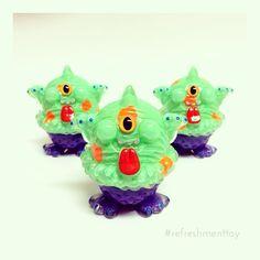 本日のワンダーフェスティバルで販売しますNEWカラーアイモン✨GAO 足つきver. ブースナンバー 5-21-10 [PARALYZING TOYZ] #ワンフェス #wonderfestival #refreshmenttoy #sofubi #icecream #monster